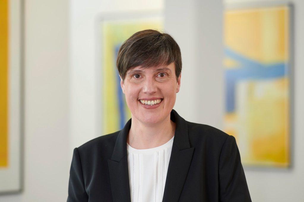 Rechtsanwältin Claudia Arnold im Portrait