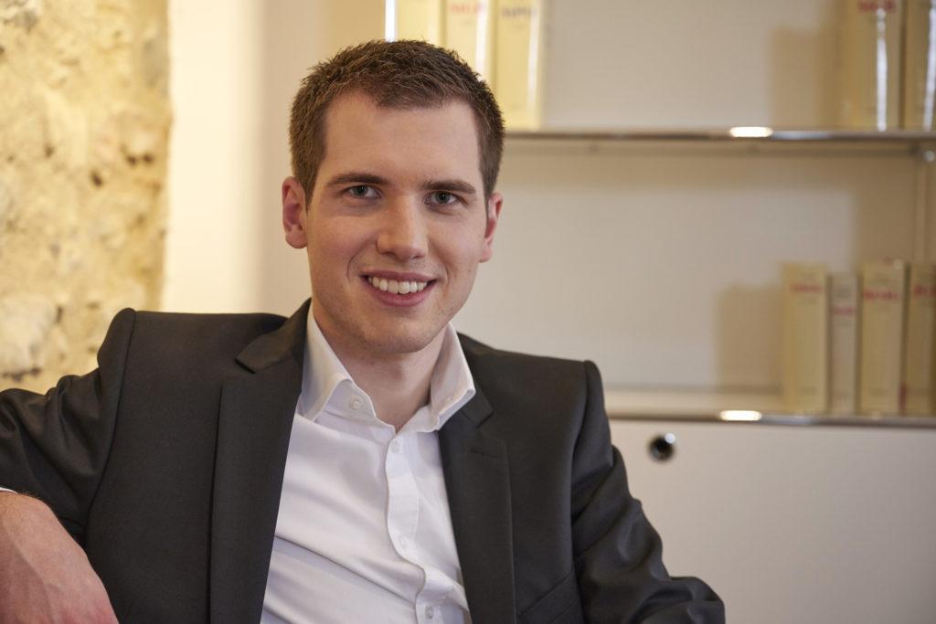Rechtsanwalt Daniel Grau im Portrait