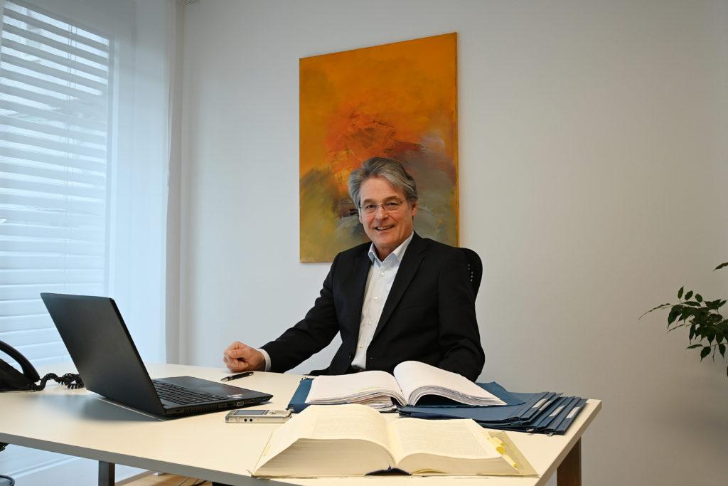 Rechtsanwalt Manfred Strauß im Portrait